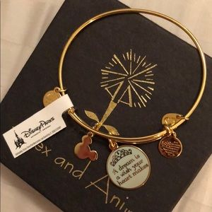 New with tag! Gold A&A Cinderella bangle